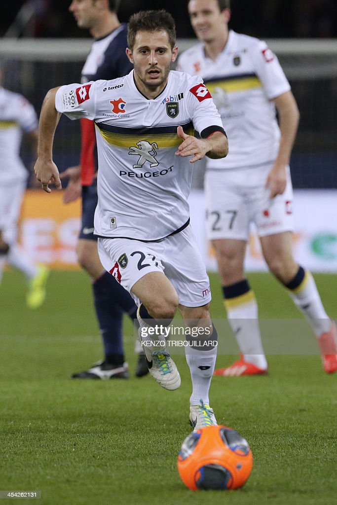 Sochaux' French midfielder Vincent Nogueira runs with the ball during the French L1 football match between Paris Saint-Germain and Sochaux at the Parc des Princes Stadium in Paris on December 7, 2013.