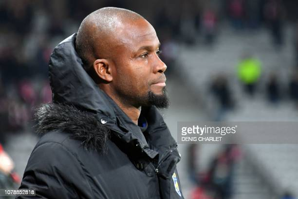 Sochaux' Senegalese headcoach Omar Daf looks on during the French Cup last-64 football match between Lille LOSC and Football Club Sochaux-Montbéliard...