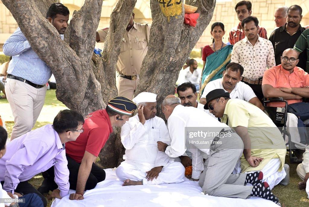Social Activist Anna Hazare Sits On A Day-Long Hunger Strike, Demands Lokpal Bill