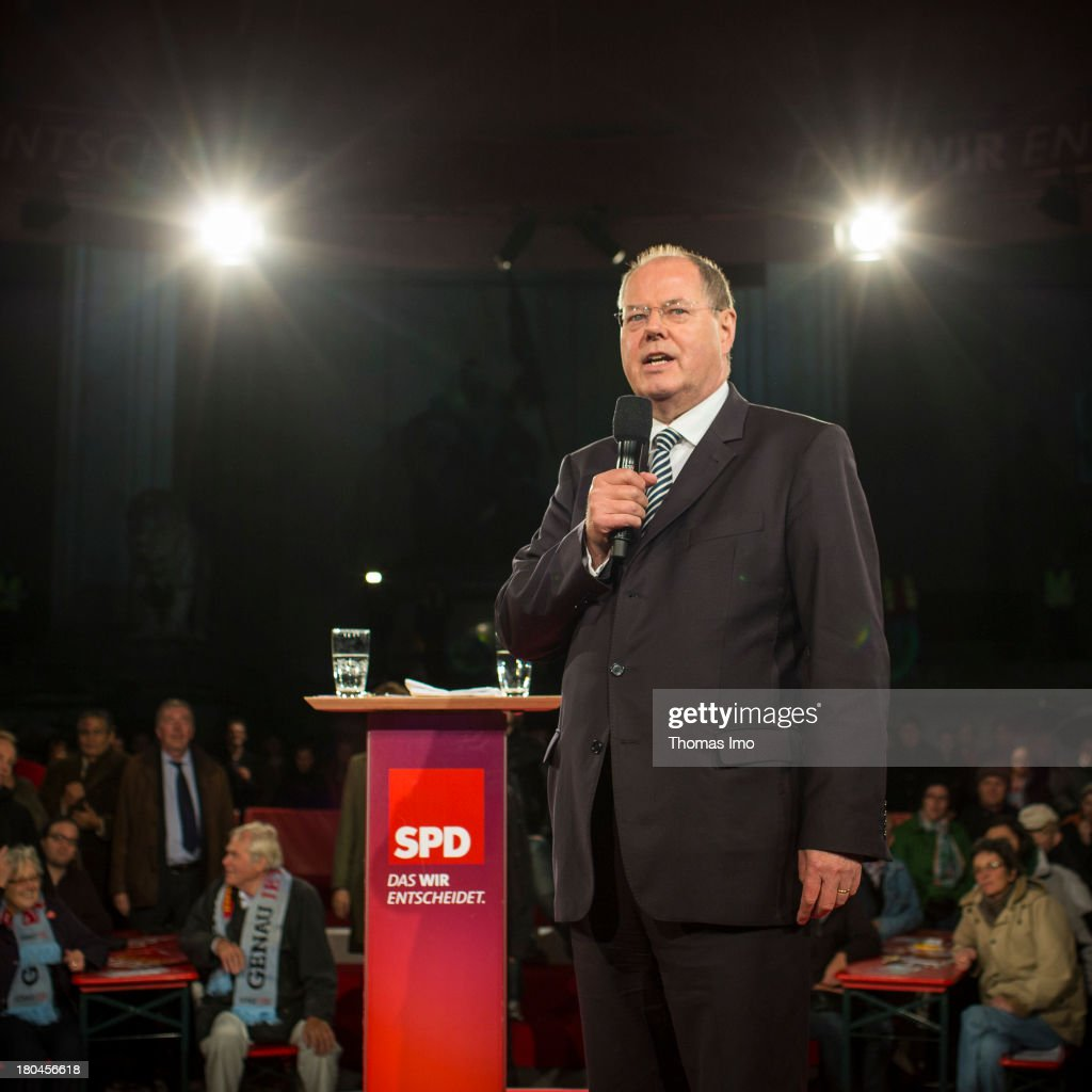 Social Democrats (SPD) chancellor candidate Peer Steinbrueck speaks during a campaign event on September 12, 2013 in Munich, Germany. Germany is facing federal elections scheduled for September 22 and a wide spectrum of political parties is vying for votes.