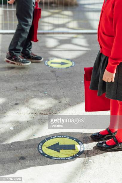 social distancing signs - world health organisation stock pictures, royalty-free photos & images