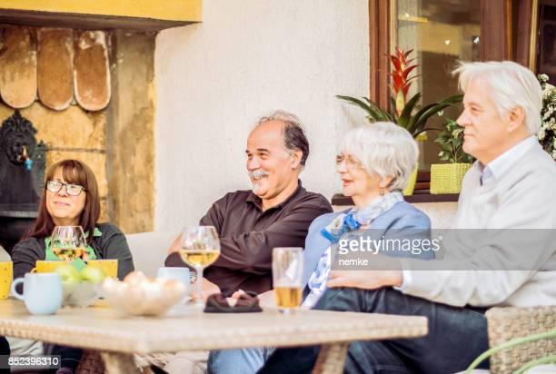 Soziale Senior Freunde Outdoor-Spaß