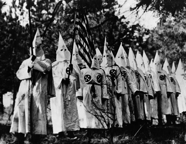 history on the klu klux klan The ku klux klan in the twentieth century by shawn lay (2005) and other writings note that a second klan was established in 1915, decades after the first fell by the wayside by the mid-1920s it reached a peak with about five-million members, dwindling to about 30,000 by 1930.