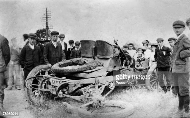 Social History Transport circa 1898 The first fatal crash with a lady driver a fatality at Dunstable Hill as children gather around the wrecked car