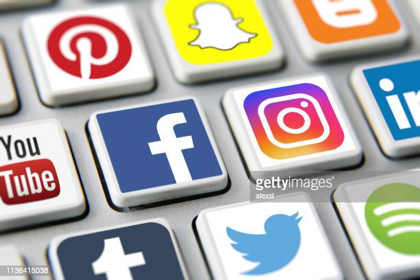 social media icons internet app application - facebook stock pictures, royalty-free photos & images
