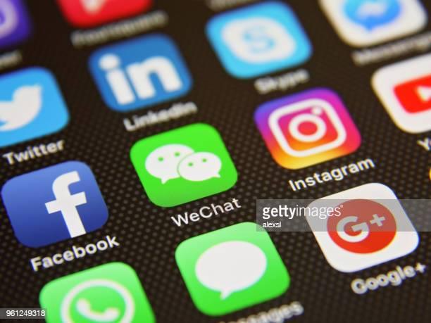 Icônes de médias sociaux WeChat en ligne message d'application