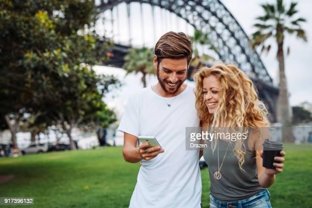 ソーシャル メディアはあなたの愛の生活に潤いを与える