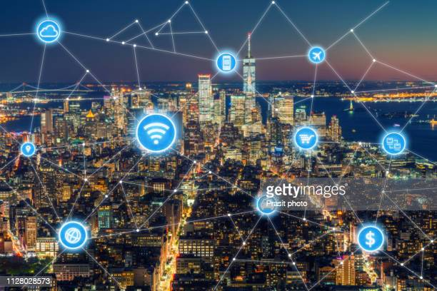 social network and connection technology concept with new york city background - スマートシティ ストックフォトと画像