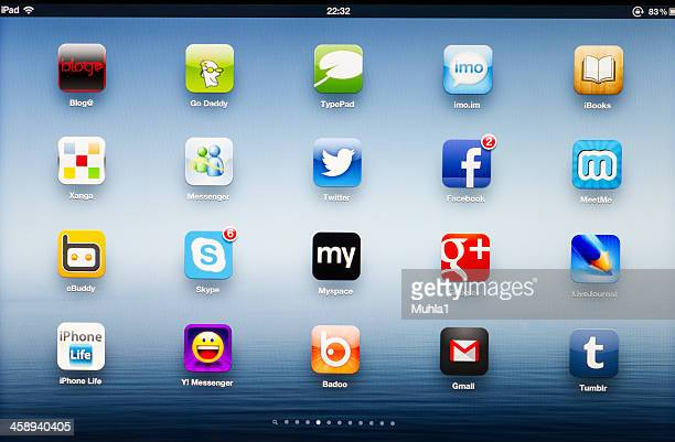 Social network App icons on New iPad