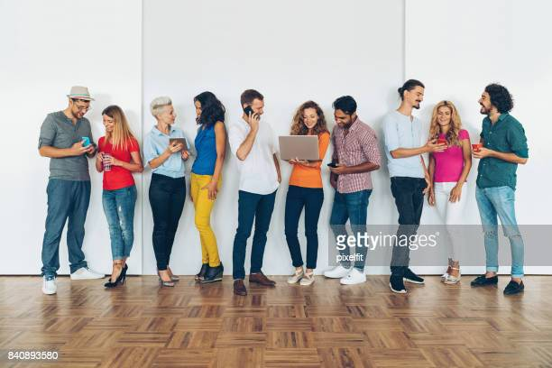 social people - medium group of people stock pictures, royalty-free photos & images