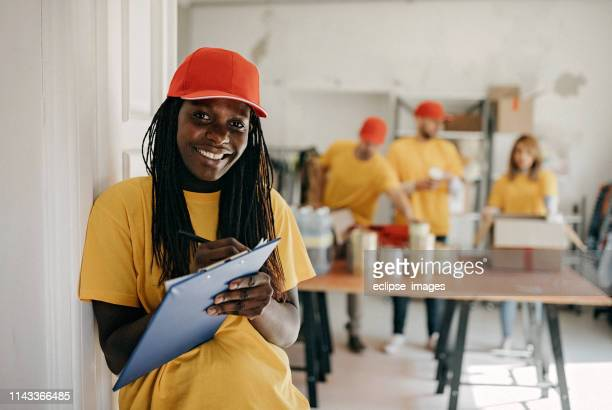social worker - humanitarian aid stock pictures, royalty-free photos & images