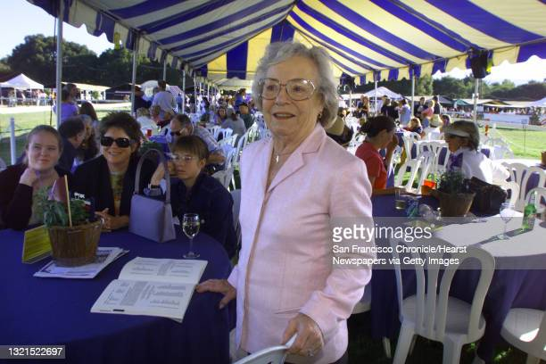 SOCIAL19c2-C-10AUG01-LV-LH--Pat Hitchcock, daughter of Alfred Hitchcock, enjoying the horse show in Atherton before a benefit dinner at the Menlo...
