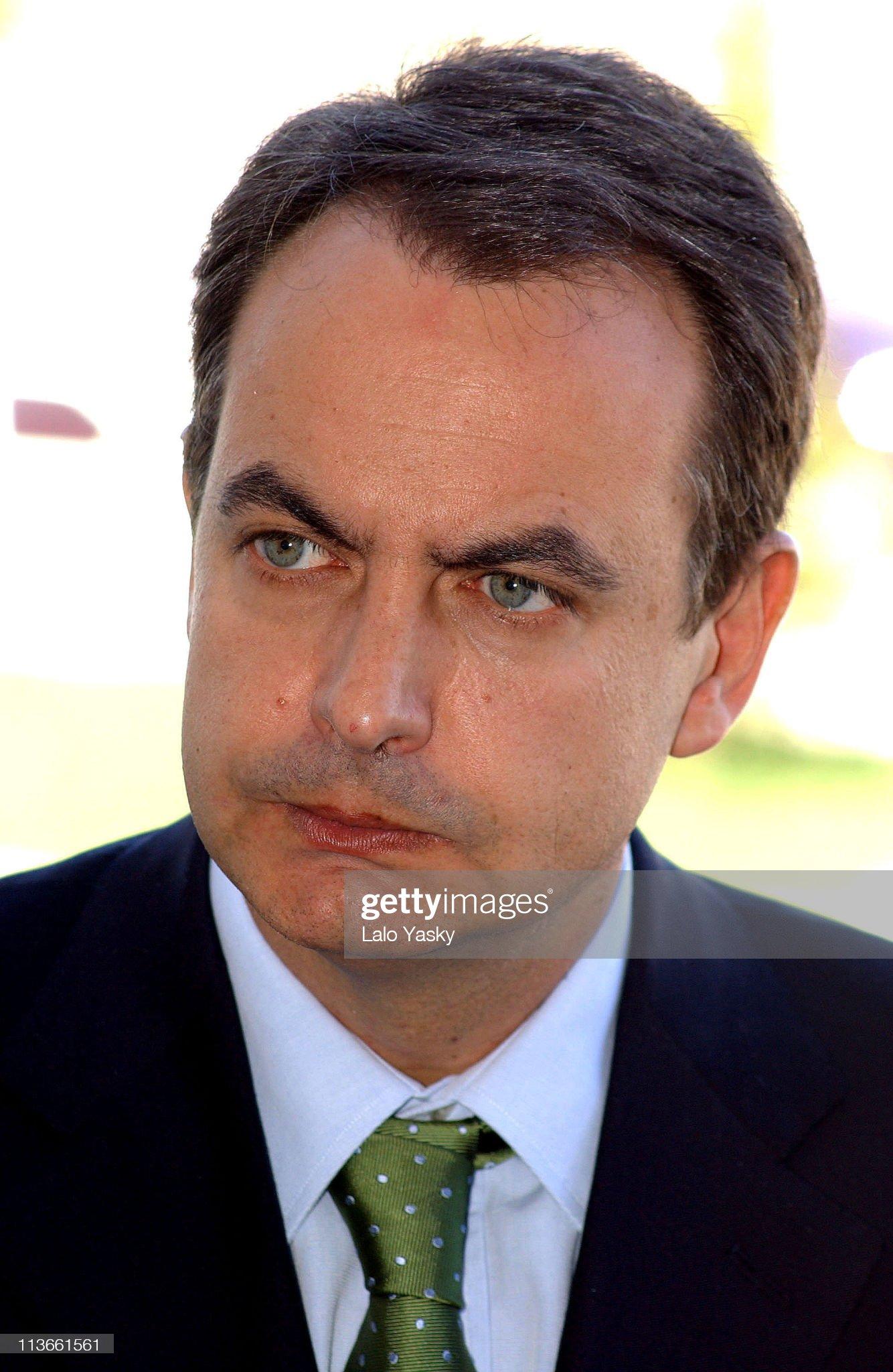 COLOR DE OJOS (clasificación y debate de personas famosas) - Página 8 Socialist-party-psoe-leader-jose-luis-rodriguez-zapatero-picture-id113661561?s=2048x2048