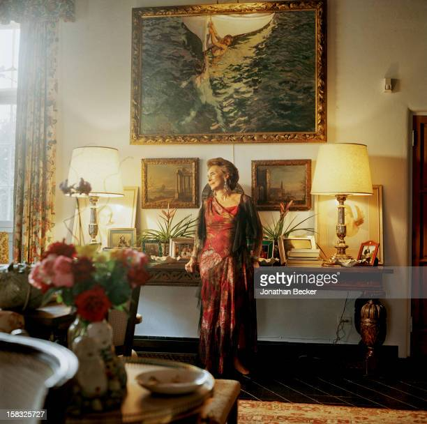 Socialite Aimee de Heeren are photographed for Vanity Fair Magazine on March 19 2003 in Palm Beach Florida PUBLISHED IMAGE PUBLISHED IN JONATHAN...