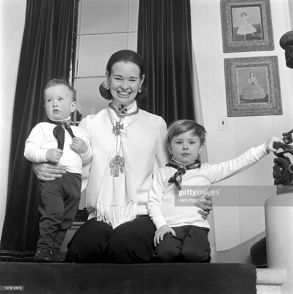 Cooper Family Portrait : News Photo