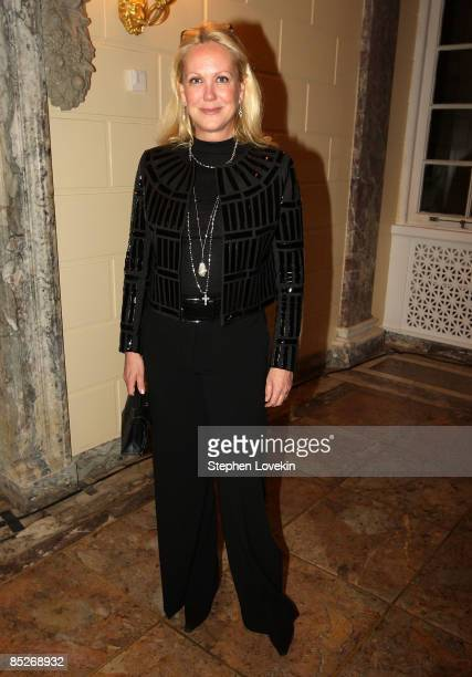 Socialite Nina Griscom attends a preview of the Gerard Oury Collection presented by Artcurial at the Payne Whitney Mansion March 5 2009 in New York...