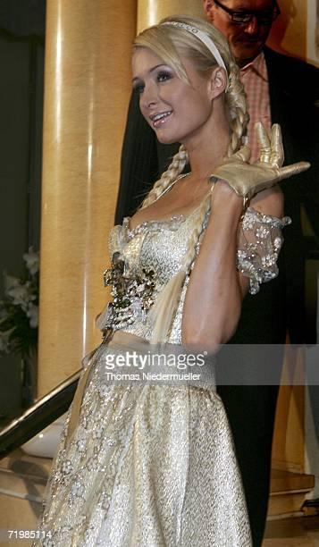 Socialite/actress Paris Hilton poses at a photocall to promote the new canned Rich Prosecco at the Hotel Bayerischer Hof on September 25 2006 in...