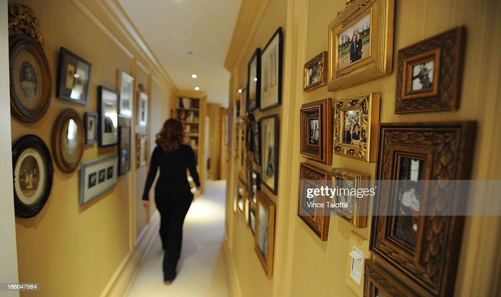 Socialite/event planner Mary Symons in her sumptuous home and photos of her home and its attendant decor items for Artist in Residence column by Rita Zekas.