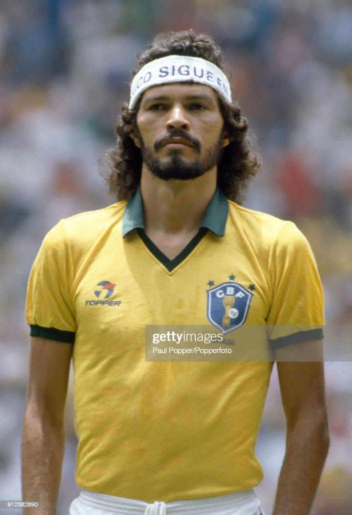 1986 FIFA World Cup - Spain v Brazil : News Photo