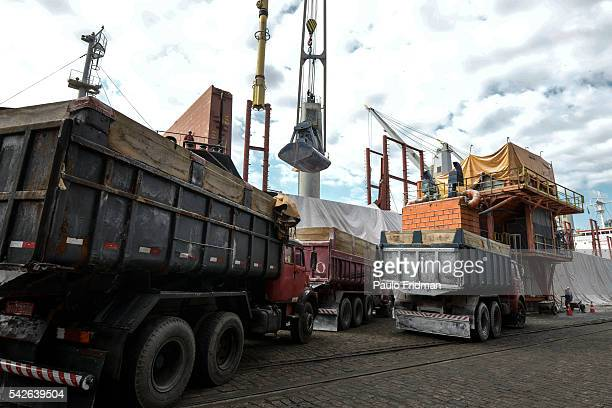 Soda ash from the United States is discharged at the Santos Port to be taken to the industrialized area of Cubatão The primarily product is used to...