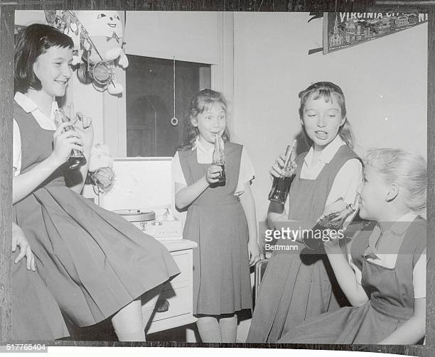 Soda Break Hollywood California Four talented young actresses Debbie Maldow Karen Balkin Veronica Cartwright and Diane Mountford take a refreshment...