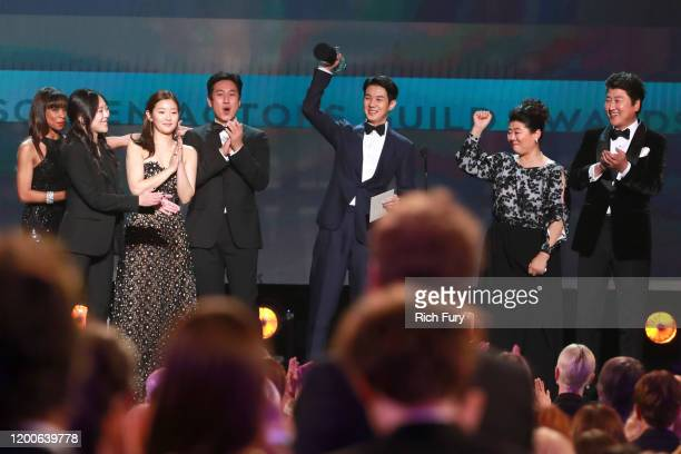 Sodam Park Sunkyun Lee Woosik Choi Kangho Song and Jeongeun Lee accept Outstanding Performance by a Cast in a Motion Picture for 'Parasite' onstage...