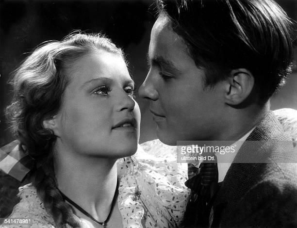 Soederbaum Kristina *Schauspielerin Fotografin Schweden mit Hermann Braun in dem Film JugendRegie Veit Harlan D 1938