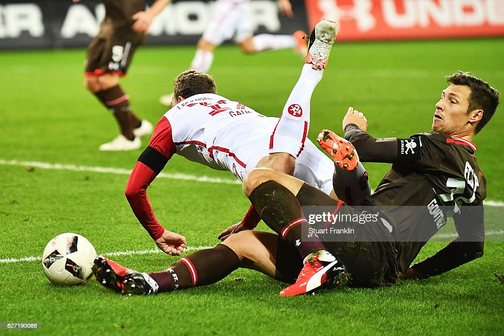FC St. Pauli v 1. FC Kaiserslautern - Second Bundesliga : News Photo