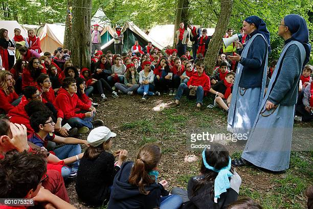 Soeurs de l'Agneau preaching at the FRAT catholic youth camp Jambville France