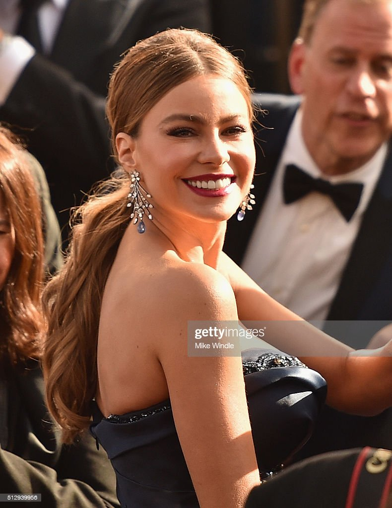 Sofía Vergara attends the 88th Annual Academy Awards at Hollywood & Highland Center on February 28, 2016 in Hollywood, California.