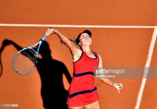 Sofia Kenin of the USA in action against her compatriot Serena Williams during their third round match at the French Open tennis tournament at Roland...