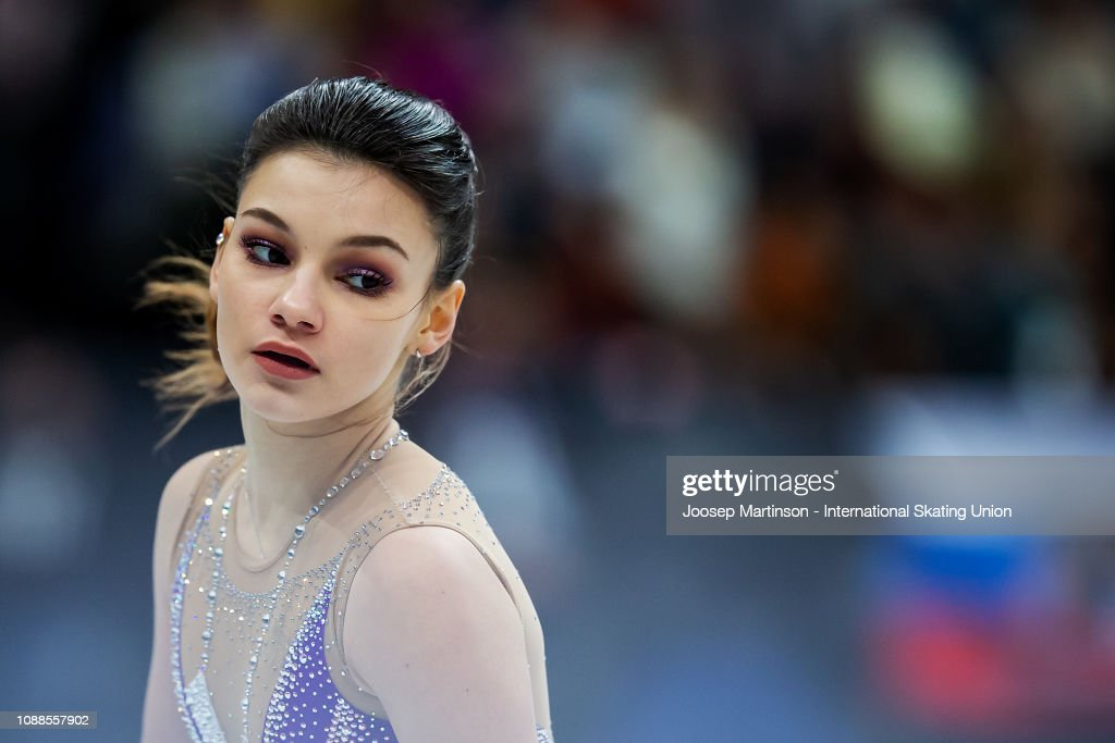 https://media.gettyimages.com/photos/sofia-samodurova-of-russia-competes-in-the-ladies-free-skating-during-picture-id1088557902