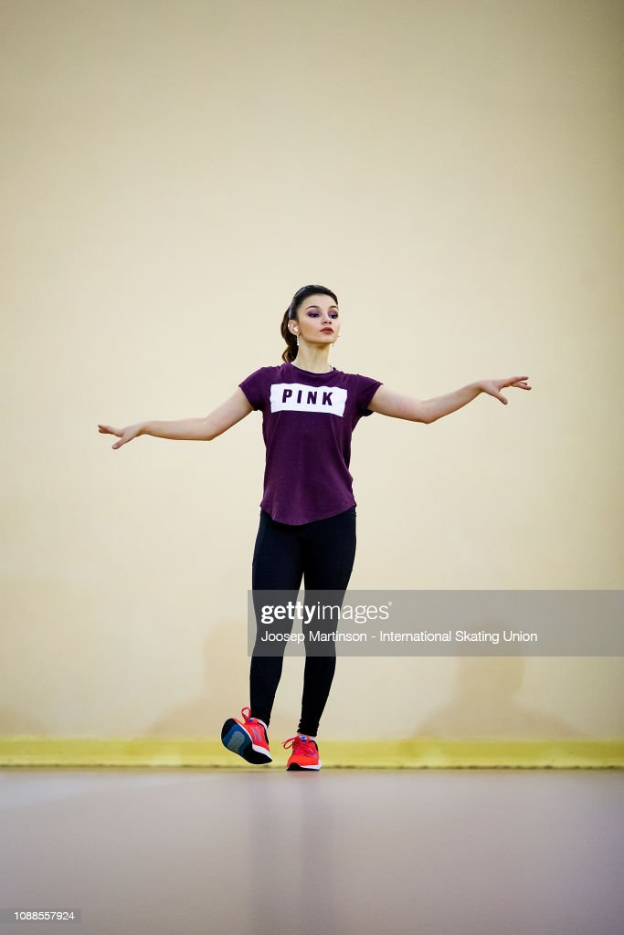https://media.gettyimages.com/photos/sofia-samodurova-of-russia-warms-up-in-the-ladies-free-skating-during-picture-id1088557924