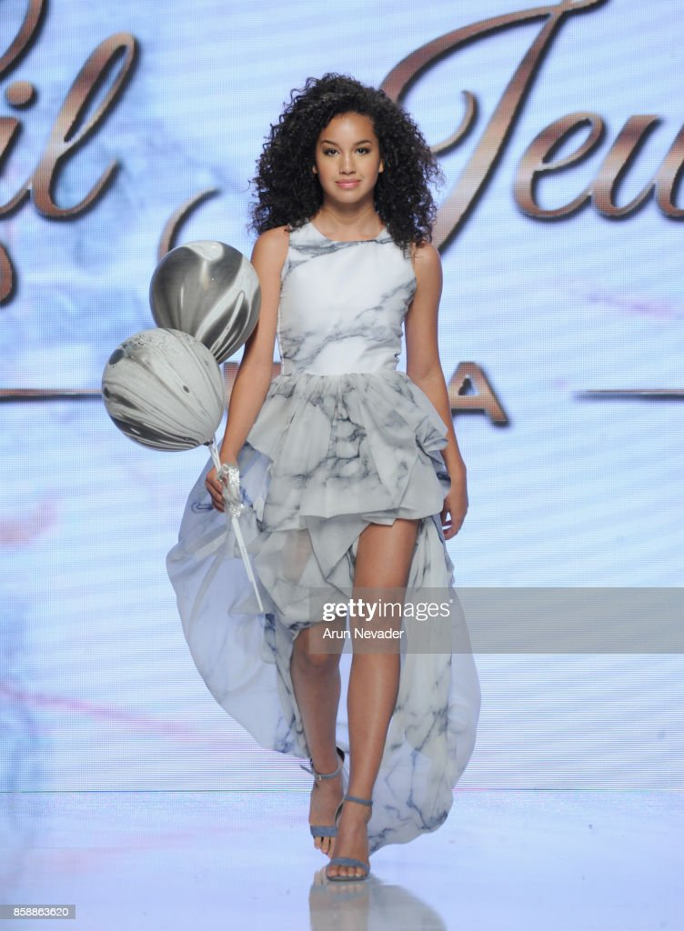 Lil Jewels Boutique At Los Angeles Fashion Week SS18 Art Hearts Fashion LAFW : News Photo