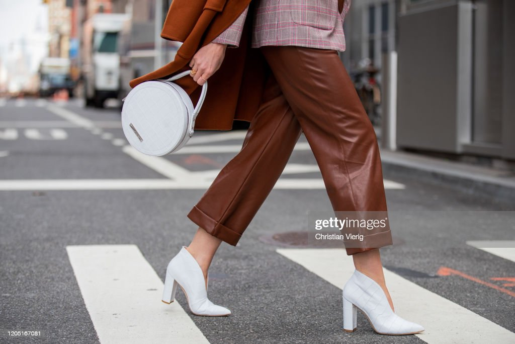 Street Style - Day 4 - New York Fashion Week February 2020 : Photo d'actualité