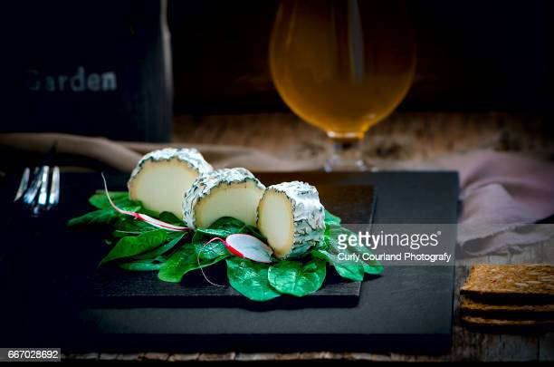 Soft goat cheese  with spinach, radishes, beer and wholegrain crisps