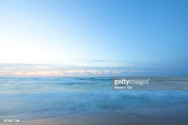 a soft wave - horizon over water stock pictures, royalty-free photos & images