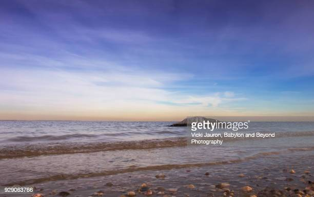 Soft Waves, Pastel Colors and a Rock