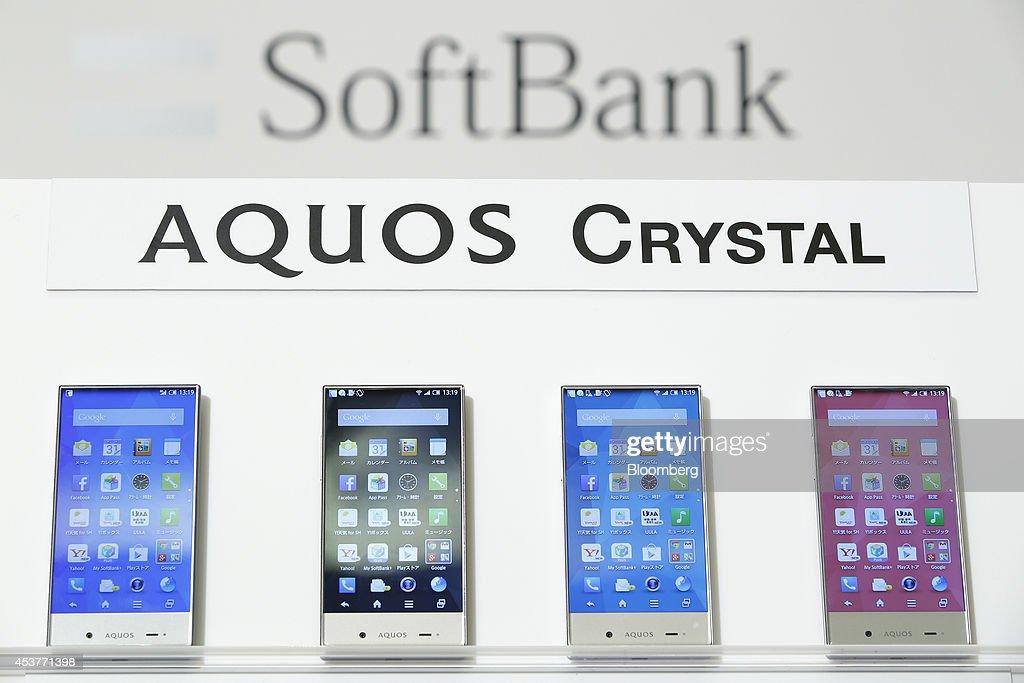 SoftBank Corp. Unveils New Smartphones Developed With Sprint : News Photo