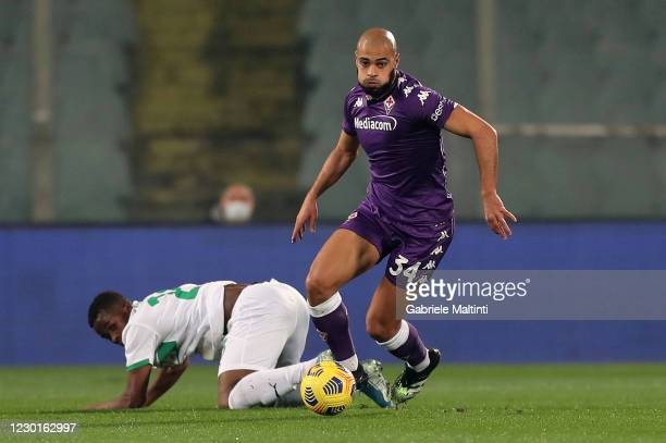 Sofyan Amrabat of ACF Fiorentina in action during the Serie A match between ACF Fiorentina and US Sassuolo at Stadio Artemio Franchi on December 16,...