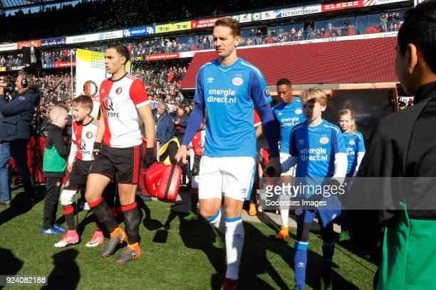 Sofyan Amrabat of Feyenoord Luuk de Jong of PSV during the Dutch Eredivisie match between Feyenoord v PSV at the Stadium Feijenoord on February 25...