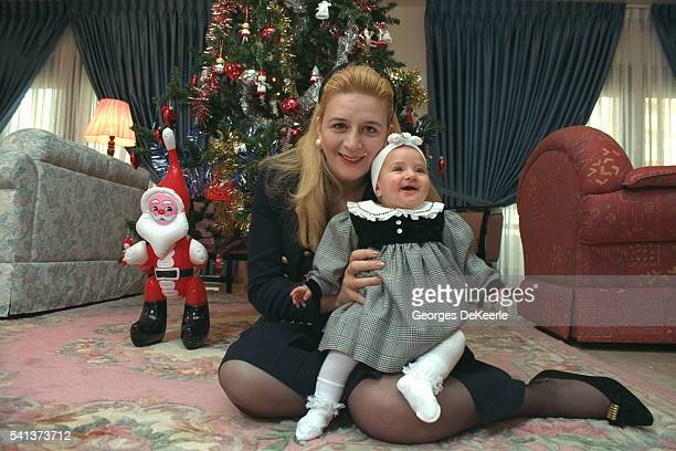 Soha Arafat and her daughter Zahwa for christmas