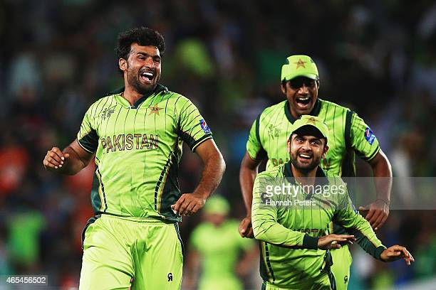 Sohail Khan of pakistan celebrates with Rahat Ali and Ahmad Shahzad of Pakistan after dismissing AB de Villiers of South Africa during the 2015 ICC...