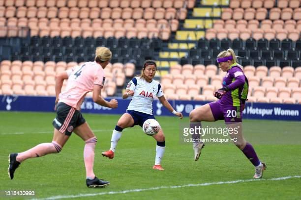 So-Hyun Cho of Tottenham Hotspur and Frances Kitching of Sheffield United during the Vitality Women's FA Cup 5th Round match between Tottenham...