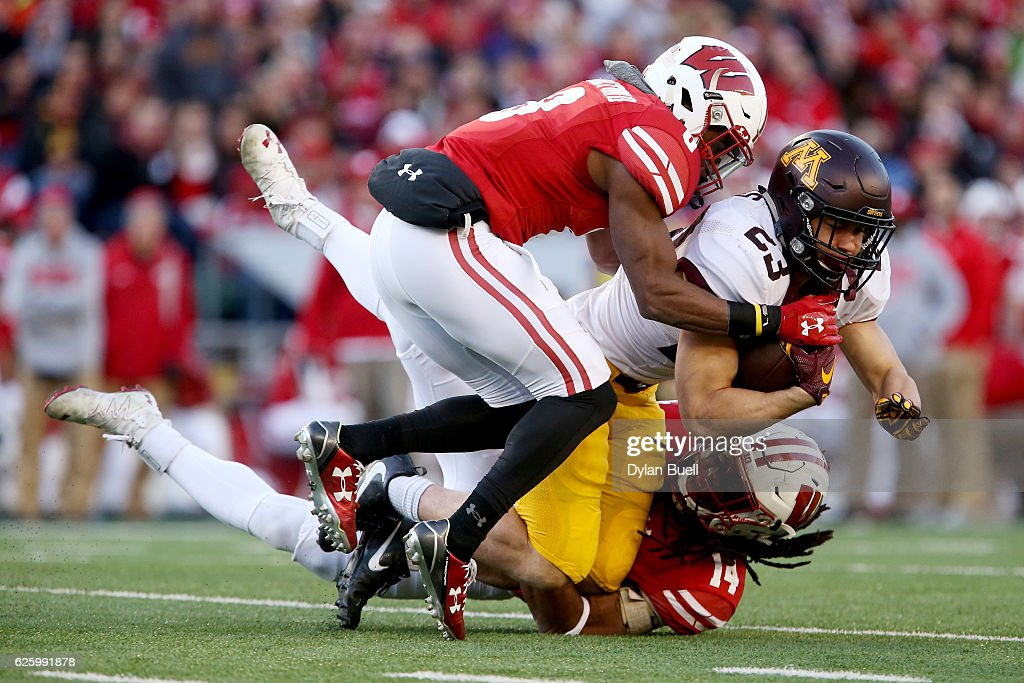Minnesota v Wisconsin : News Photo