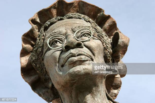 Sojourner Truth female exslave statue at Battle Creek
