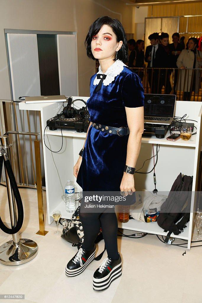 Longchamp : Cocktail - Paris Fashion Week Womenswear Spring/Summer 2017