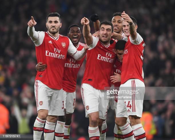 Sokratis celebrates scoring the 2nd Arsenal goal Sead Kolasinac, Ainsley Maitland-Niles Granit Xhaka Lucas Torreira and Pierre-Emerick Aubameyang...