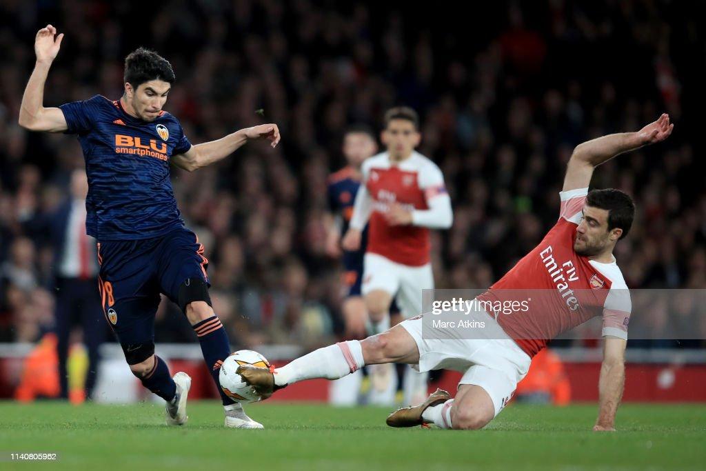 Arsenal v Valencia - UEFA Europa League Semi Final : First Leg : News Photo