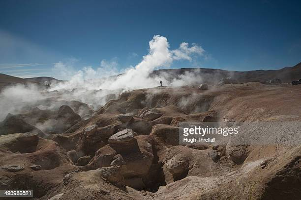 sol de manyana geysers in bolivia - hugh threlfall stock pictures, royalty-free photos & images